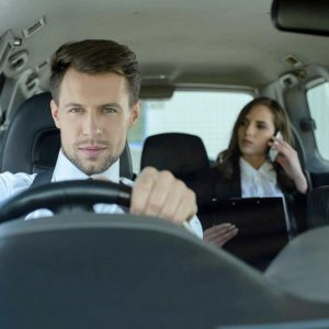 Top 5 Reasons to Hire a Chauffeur for Your Dubai Trip