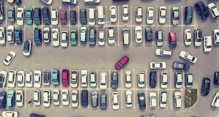parking-lot-dubai-full