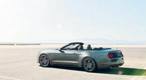 The 5 Best Driving Roads in the UAE with a Convertible Car Rental