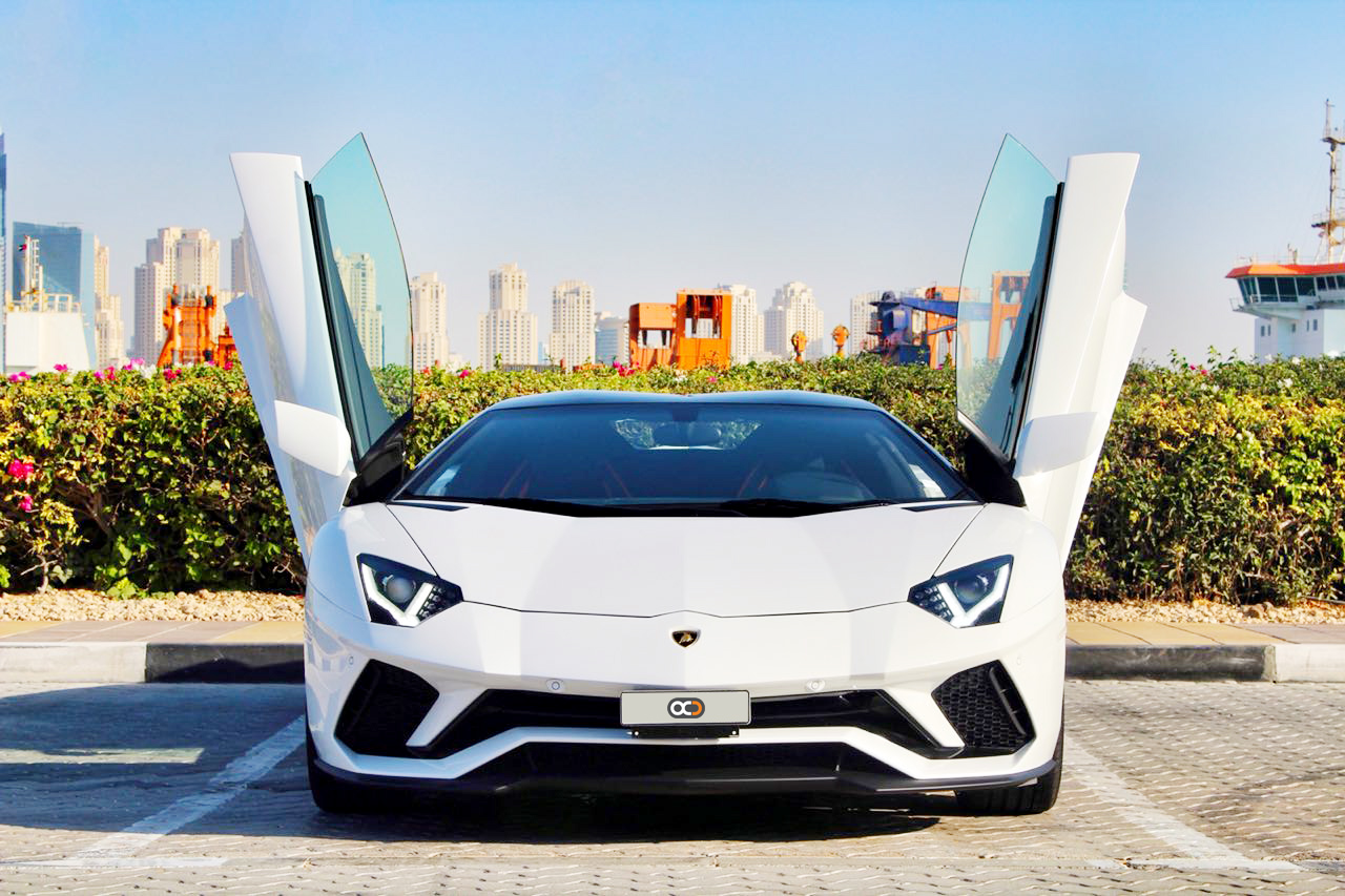 Top three reasons why people rent a sports car in Dubai